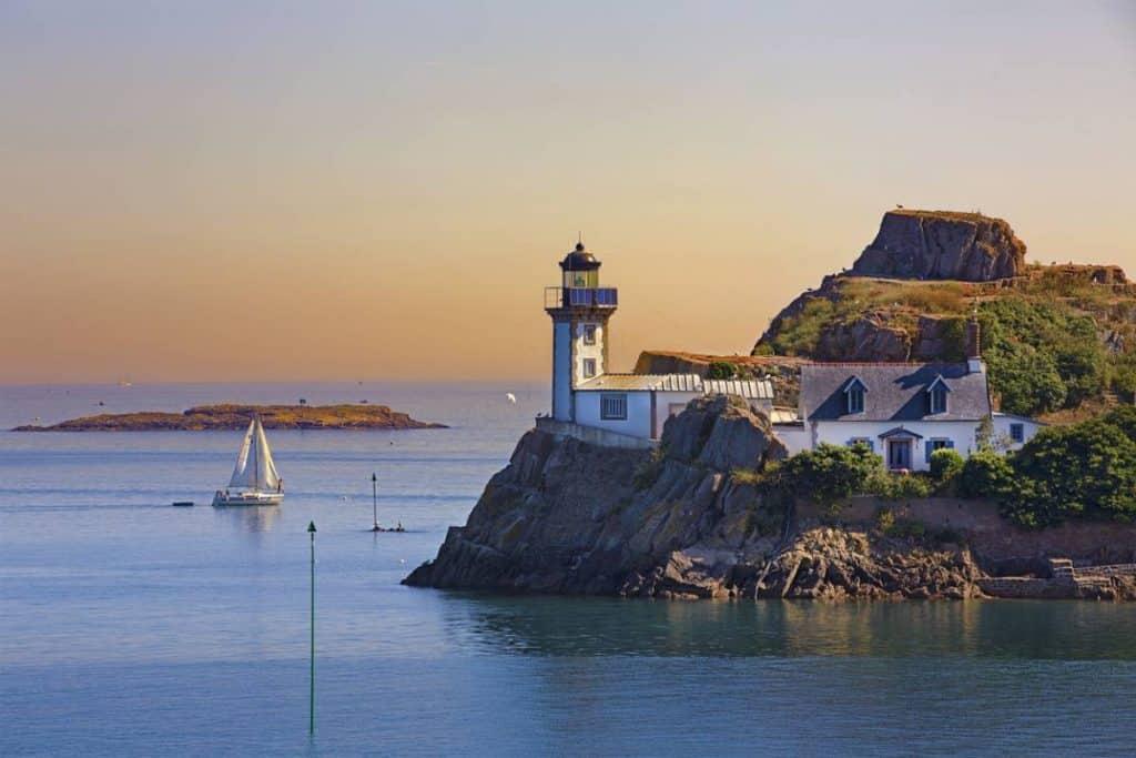Une excursion le long des côtes bretonnes: des paysages inédits à découvrir !